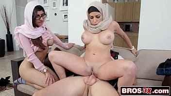 Imagen Dreier mit zwei sehr reichen vollbusigen Arab porn