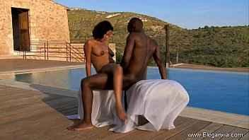 Imagen Afrikanischer Sex im Freien mit einem jungen Mädchen
